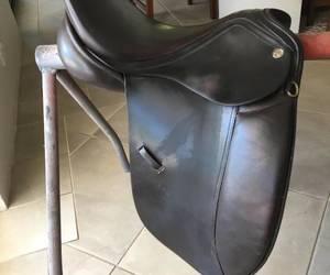 16 inch (pony) Riveria Tuscany dressage saddle