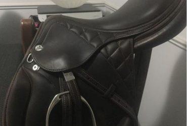 Prestige DX jump saddle 17in