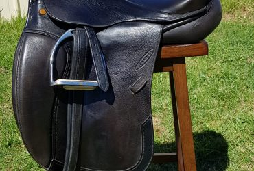 17.5inch Black Grainge Dessage Saddle
