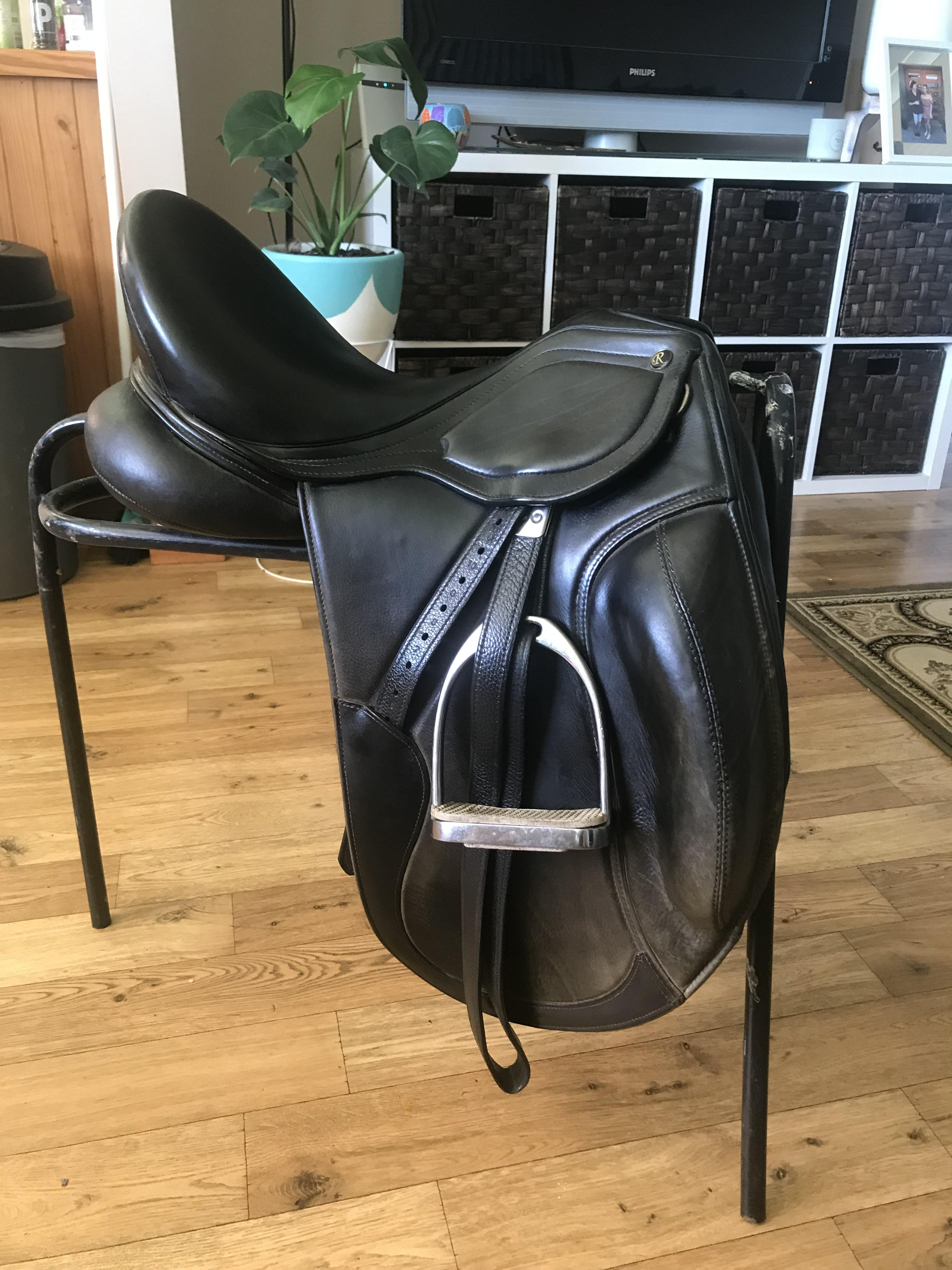 Black Riveria Blackjack saddle – Monoflap 17""