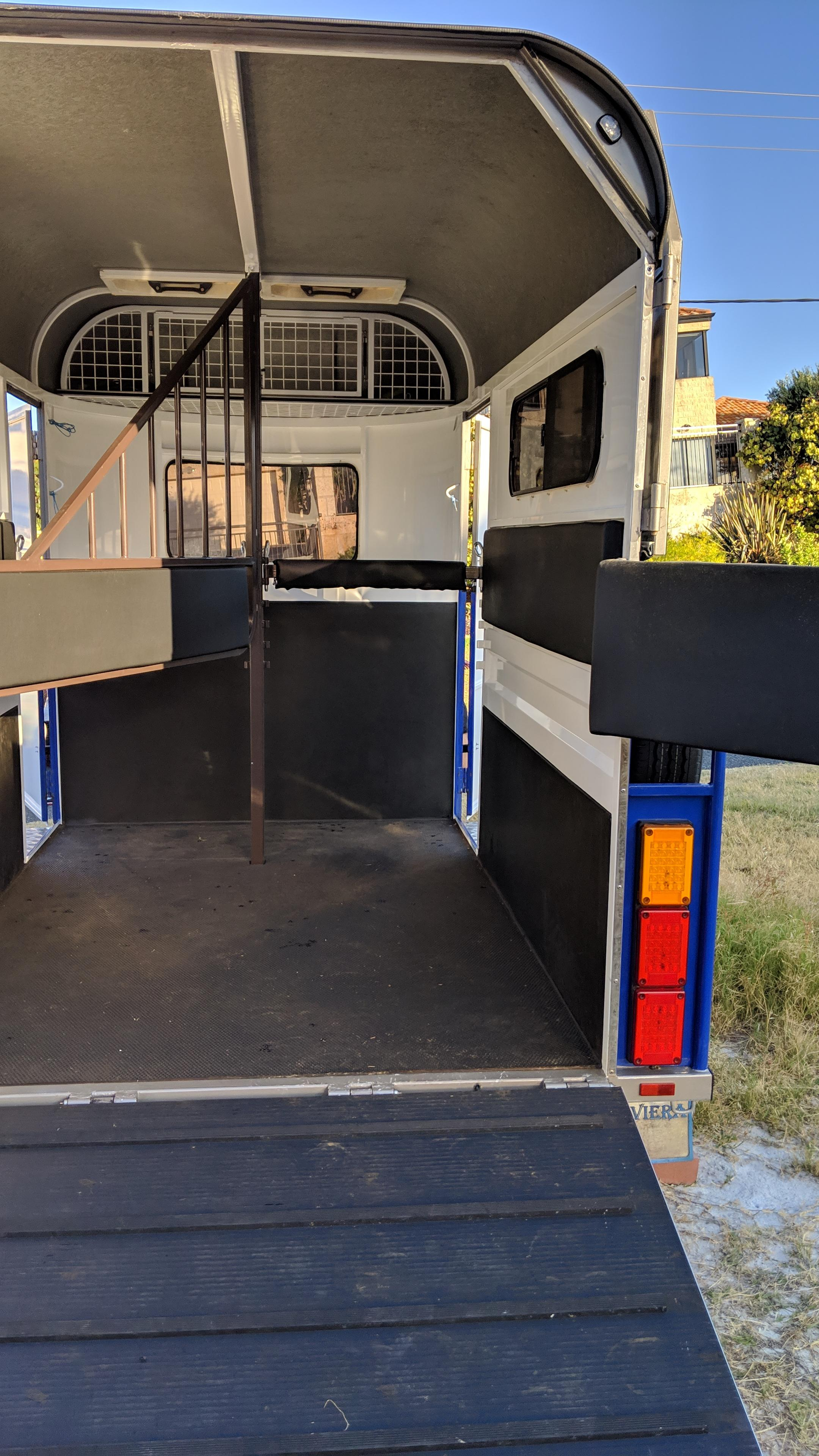 As new 2 Horse Straight Load Extended Length and Width